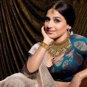 Vidya Balan in saree for Ranka Jewellers Photoshoot – Hot Cleavage Show Picture