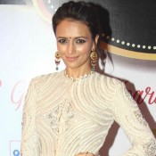 Roshni Chopra in White High Neck Top with Silk Salwar at 8th Boroplus Gold Awards 2015