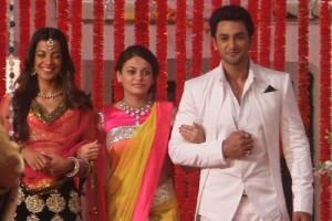 Sneha Ullal in Yellow Pink Floral Saree in Bezubaan Ishq Movie 2015 Photos