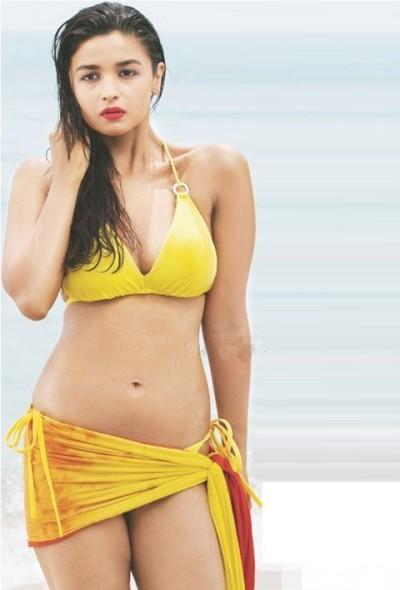 Alia Bhatt in Bikini in Student of The Year Photos HD Hot Pics