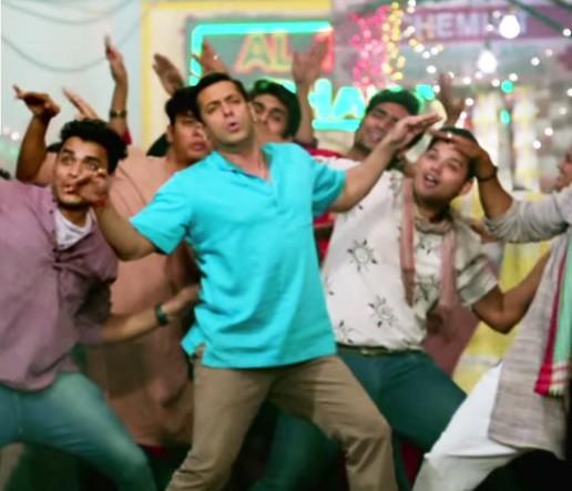 Chicken Song Lyrics from Bajrangi Bhaijaan Hindi Movie 2015