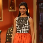 Deepika Padukone in Comedy Nights with Kapil for Ramleela Promotion