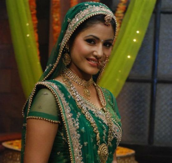 Hina Khan in Green Pink White Saree in Yeh Rishta Kya Kehlata Hai Bash Photos