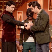 Look at the cool picture of Hrithik Roshan Promote Krrish 3 at Comedy Night With Kapil