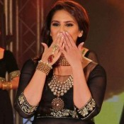 Huma Qureshi in Black Anarkali Dress at 2013 IBBS Fashion Show