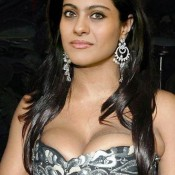 Kajol Devgan Bra Cup Size Photos Exposed from Without Bra Images Bold Pics