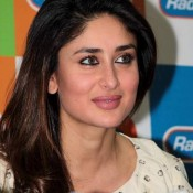Kareena Kapoor Hot in White Dress Promote Gori Tere Pyaar Mein at Mumbai