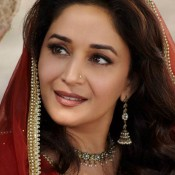 Madhuri Dixit First Look in Dedh Ishqiya Movie plays the role of Begum Para