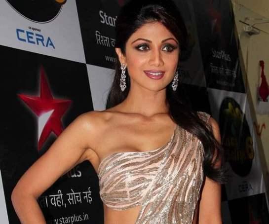 Shilpa Shetty in Peach Pink Saree Gown Photos at Nach Baliye 6