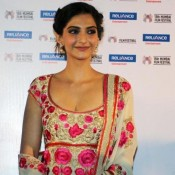 Sonam Kapoor in Salwar Kameez Promotes Little Big People at 15th Mumbai Film Festival