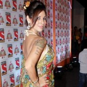 Tanaaz Irani in Floral Printed Saree Hot Backless Blouse Photos at Sab Ke Anokhe Awards 2015