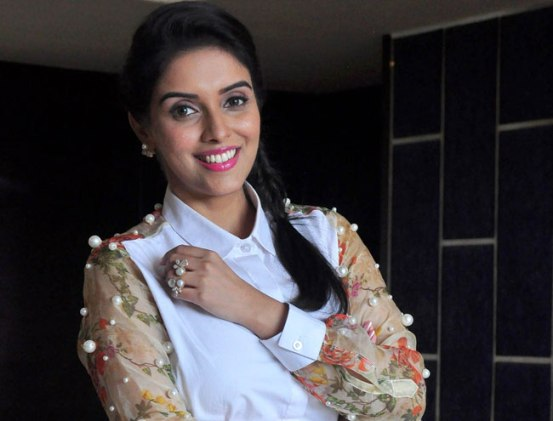 All Is Well Movie Promotion in Delhi – Asin in Floral Printed Skirt Photos