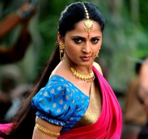 Anushka Shetty Saree Pics – Pink Saree Blue Blouse Images of Anushka Shetty in Bahubali