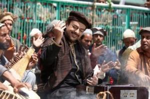 Bhar Do Jholi Meri Song Lyrics from Bajrangi Bhaijaan Hindi Movie 2015