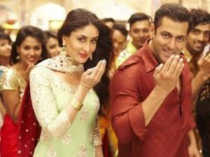 Salman Khan Kurta Pajama Photos – Maroon Blue Green Kurta Pics in Bajrangi Bhaijaan Movie