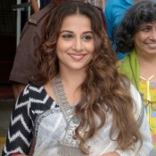Vidya Balan in White Cotton Saree Black Blouse Photos at Chaplin Lines Exhibition 2015