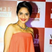 Madhoo Shah in Pink Strapless Gown at Vogue Beauty Awards 2015
