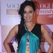 Swara Bhaskar in Printed Dhoti with Sleeveless Top at Vogue Beauty Awards 2015