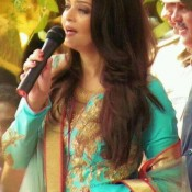 Aishwarya Rai Bachchan in Surat at Kalyan Jewellers Showroom Opening Latest Photos