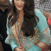 Aishwarya Rai Traditional Dress Photos – Cool Look Traditional Wear Pics
