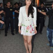 Alia Bhatt Hot Legs Pics – Alia Bhatt Legs Photos in Floral Mini Skirt