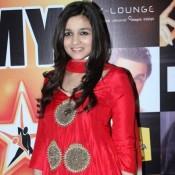 Alia Bhatt in Star Nite Awards 2012 – Red Traditional Dress Pics
