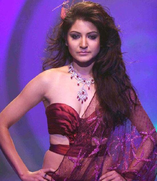 Anushka Sharma Navel Show in Transparent Maroon Saree on Ramp Walk at HDIL Fashion Show