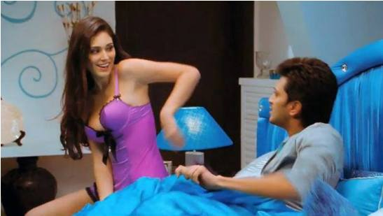 Bruna Abdullah Hot in Grand Masti – Bold Scenes Hot Photos
