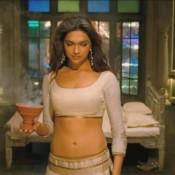 Deepika Padukone Cleavage in Ram Leela Movie – Hot Pics