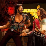 Deepika Padukone Hot Scene in Ram Leela with Ranveer Singh