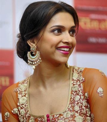 Deepika Padukone in Orange Anarkali Dress during Promotion ...