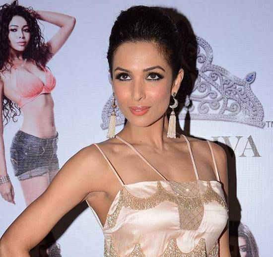 Malaika Arora Khan Hot Armpit Pics at Miss Diva 2013 Beauty Pegeant in Mumbai