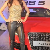 Malaika Arora Khan at Vikram Phadnis Audi Show – Hot Cleavage Pics