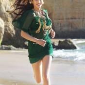 Tamil Movie Actress Shruti Hassan Hot Thigh Pics