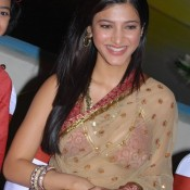 Shruti Hassan in Transparent Saree – Hot Photo Gallery