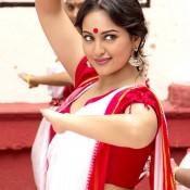 Sonakshi Sinha Navel Show in Bullet Raja Movie 2013 – Hot Photos in Bengali Red Saree