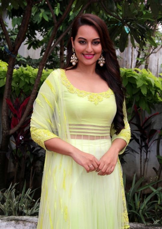 Sonakshi Sinha Yellow Dress at Star Plus Diwali Celebration