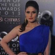 Zarine Khan in Off Shoulder Tight Blue Dress at The GQ Man of The Year Awards 2013