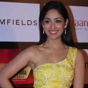 Yami Gautam in Yellow One Shoulder Gown at Retail Jeweller India Awards 2015