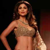 Shilpa Shetty Hot Navel in Golden Cream Lehenga Choli at Amazon India Fashion Week 2015