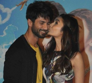 Shaandaar Trailer Launch Photos – Alia Bhatt in Short Printed Dress with Sheer Skirt
