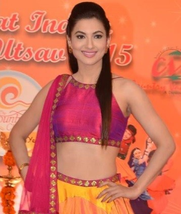 Gauahar Khan in Pink Lehenga at Country Club's Navratri Press Meet Photos