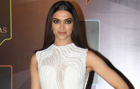 Deepika Padukone in Sleeveless White Gown at GQ Men Of The Year Awards 2015 Photos