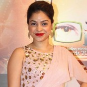 Sumona Chakravarti New Look in Pink Gown at Indian Television Academy Awards 2015