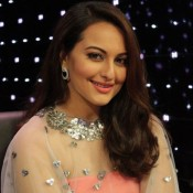 Welcome Back Promotion on Indian Idol Junior – Sonakshi Sinha in Pink off Shoulder Gown Photos