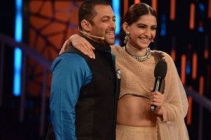Sonam Kapoor on Bigg Boss 9 – Prem Ratan Dhan Payo Movie Promotion Pics 2015