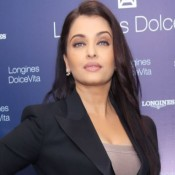 Aishwarya Rai Bachchan in Delhi for Jazbaa Movie Promotion Photos 2015