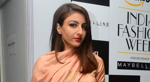 Soha Ali Khan in Designer Peach Anarkali Dress at Amazon India Fashion Week