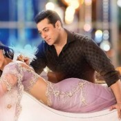 Sonam Kapoor Hot Navel in Prem Ratan Dhan Payo Movie 2015
