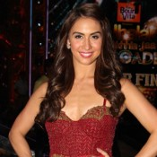 Lauren Gottlieb in Maroon Gown at Jhalak Dikhhla Jaa Reloaded Finale 2015